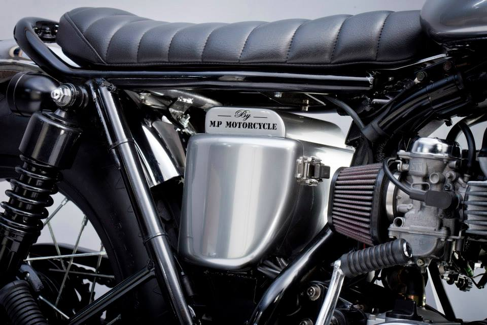 max power kawasaki w650 is a sweet bobber autoevolution. Black Bedroom Furniture Sets. Home Design Ideas