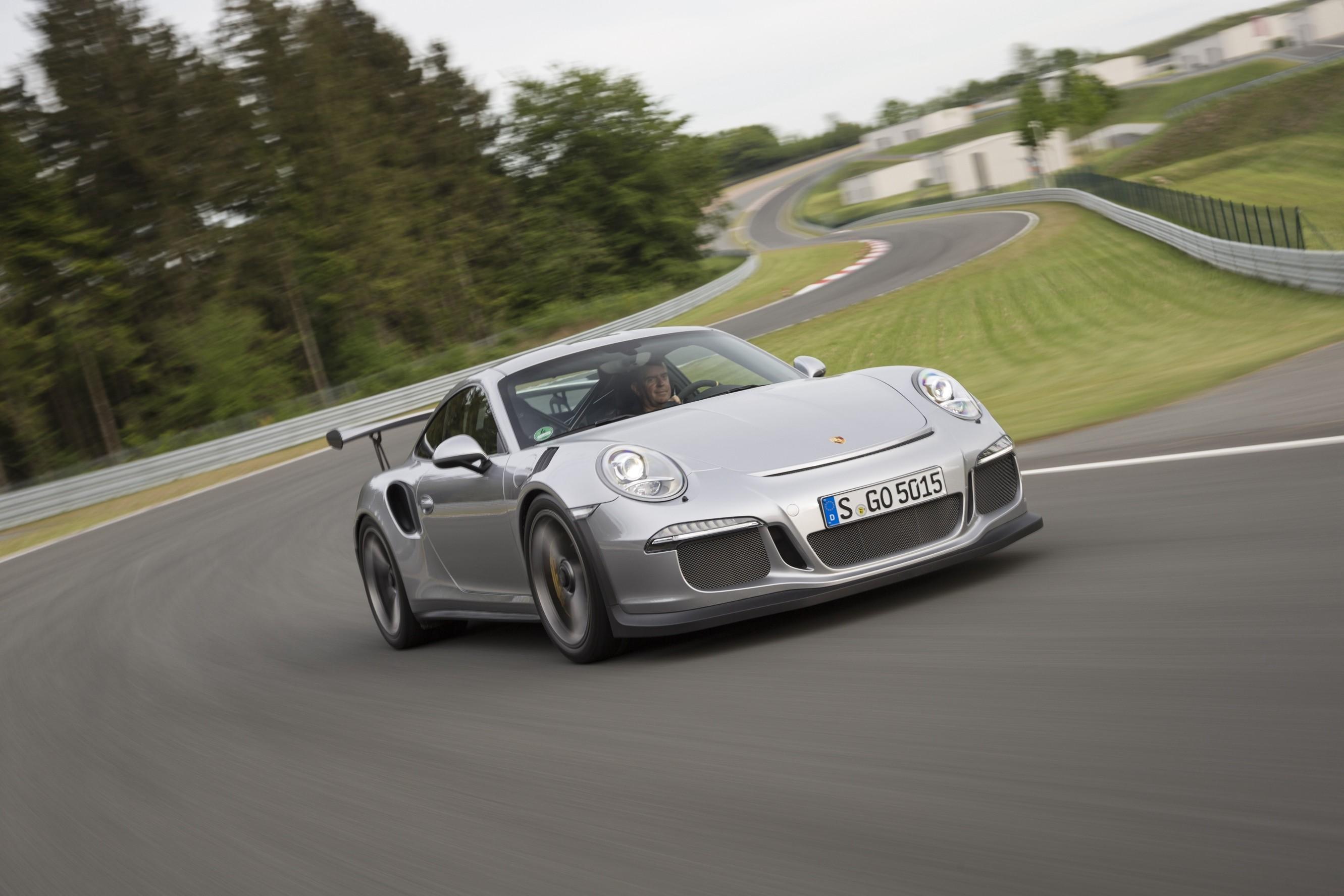 Max Verstappen Bought Himself A Porsche 911 Gt3 Rs Autoevolution