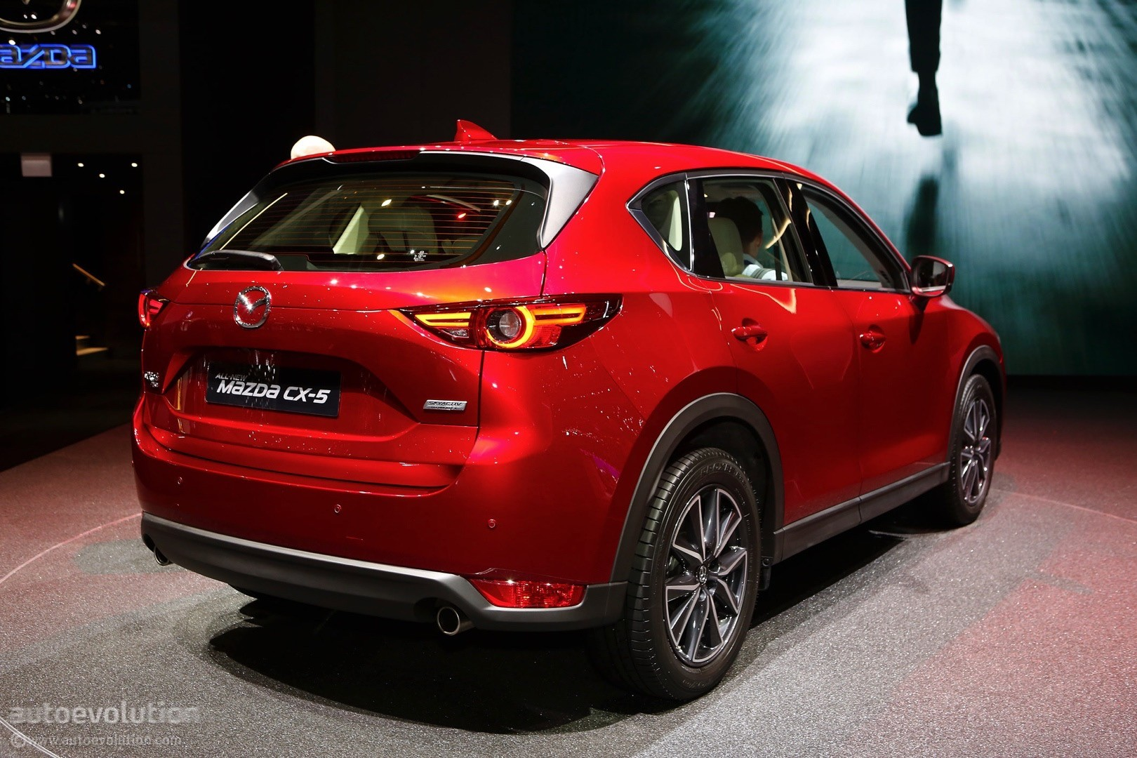 mazda cx 5 seven seat variant could go on sale in japan. Black Bedroom Furniture Sets. Home Design Ideas