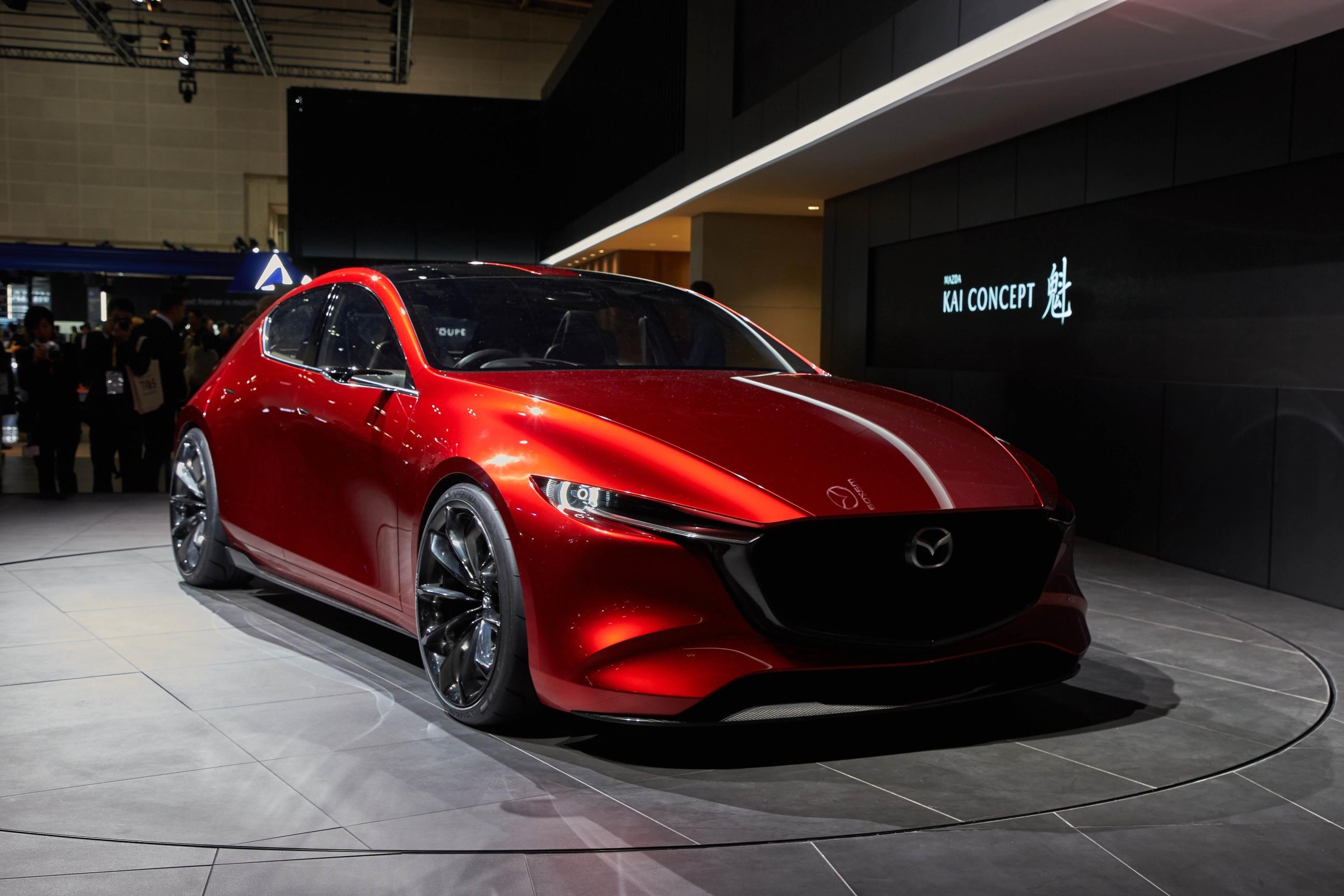 https://s1.cdn.autoevolution.com/images/news/gallery/mazda-kai-and-vision-coupe-concepts-reveal-carbon-fiber-in-tokyo_4.jpg
