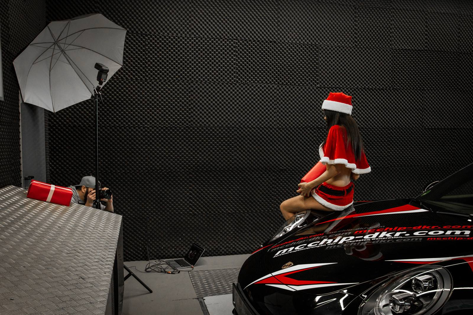 Mcchip Dkr Does Christmas Photo Shoot With Sexy Santa