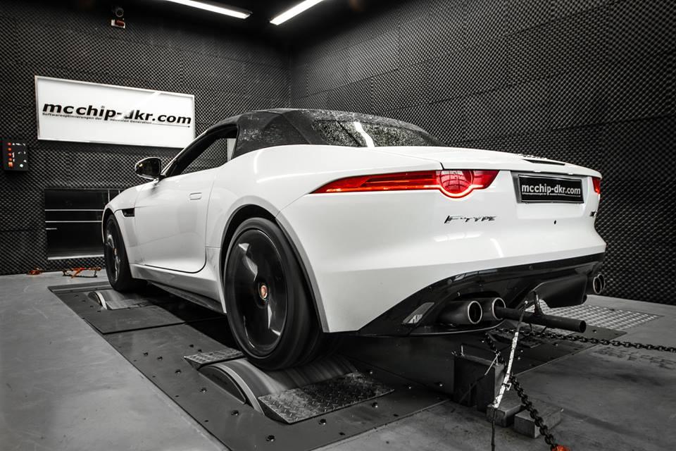 mcchip dkr jaguar f type r should have 600 hp autoevolution. Black Bedroom Furniture Sets. Home Design Ideas