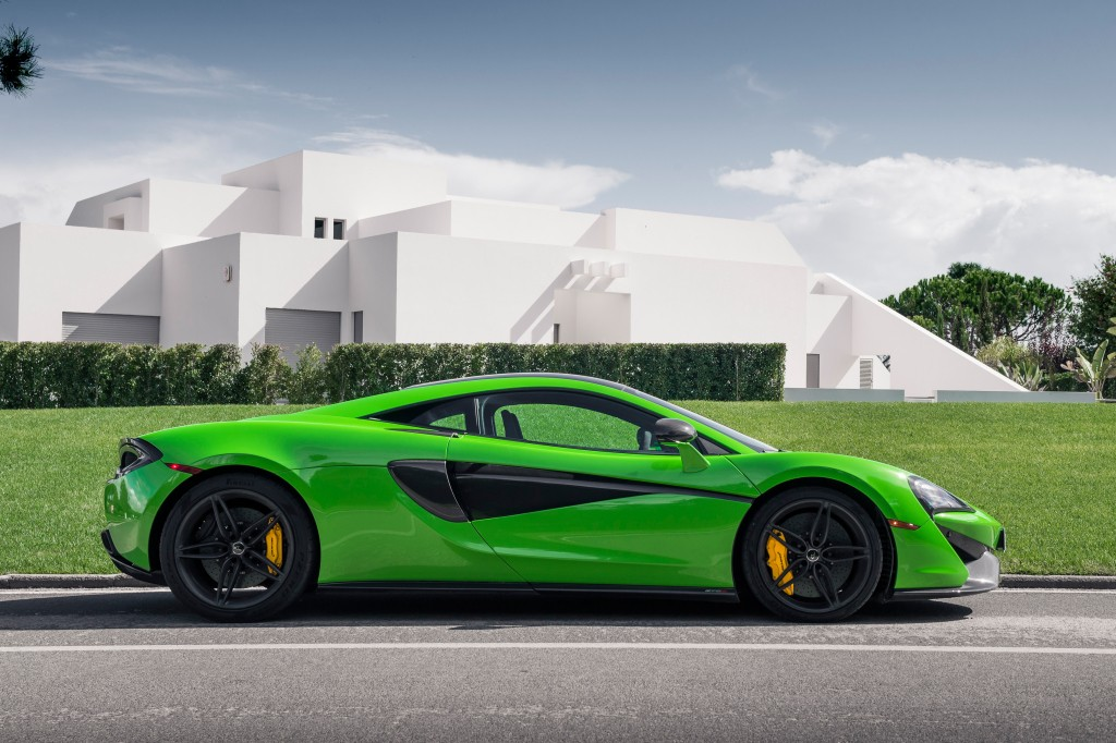 Curly Comprised Of The 540c 570s And 570gt Sport Series Has A New Member In Pipeline Spider Is Its Name As Per Mclaren S Head