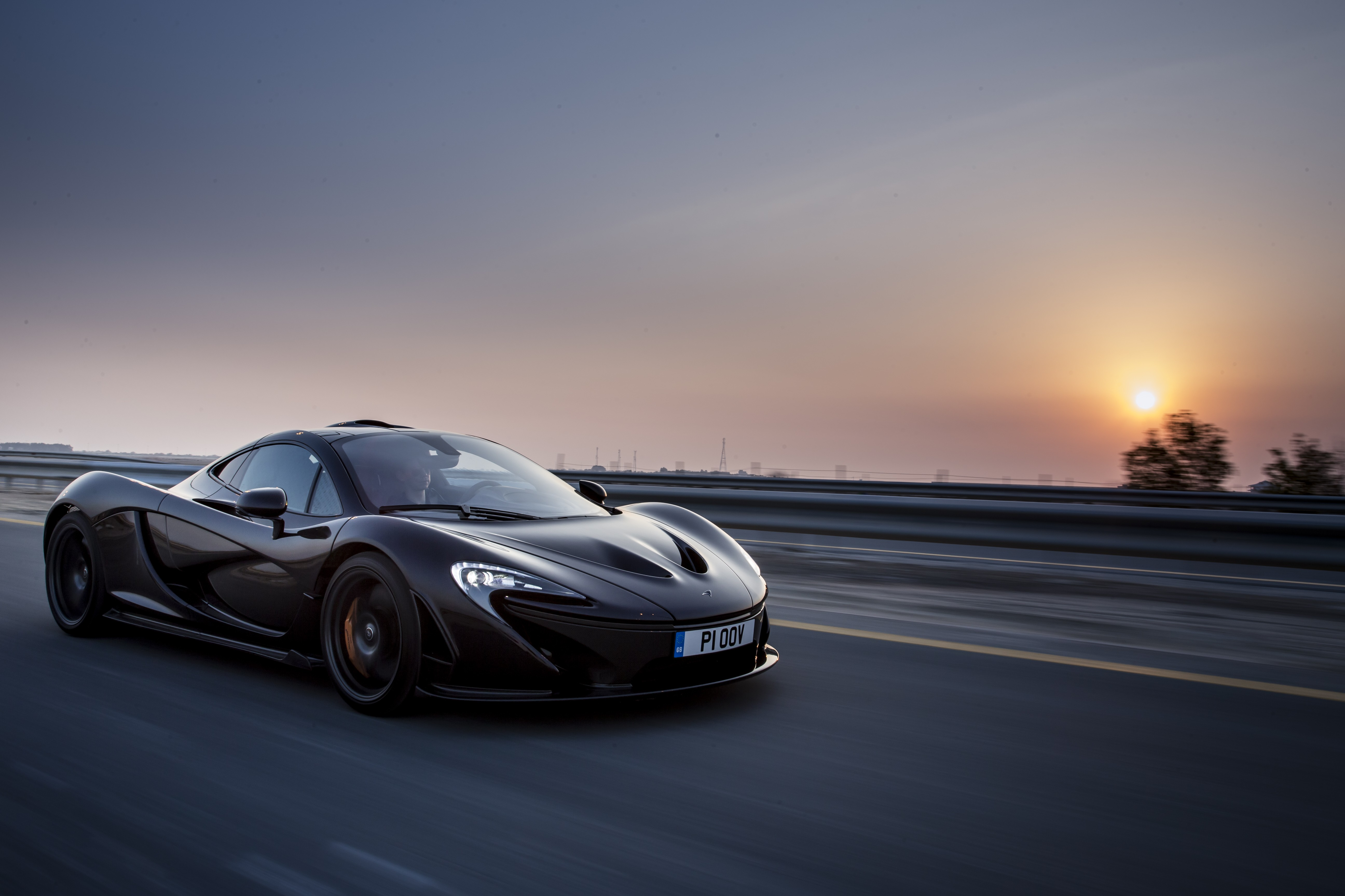 mclaren brings the curtain down on the p1 autoevolution. Black Bedroom Furniture Sets. Home Design Ideas