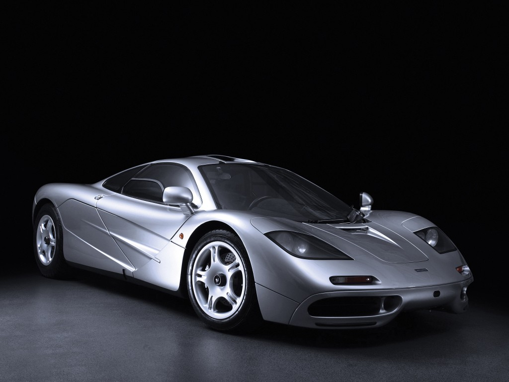 mclaren f1 crashed in nz driver sustained minor injuries autoevolution. Black Bedroom Furniture Sets. Home Design Ideas