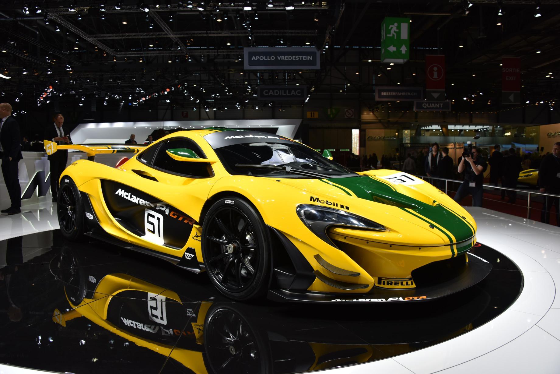 mclaren p1 gtr race car debuts at the geneva motor show 2015 autoevolution. Black Bedroom Furniture Sets. Home Design Ideas