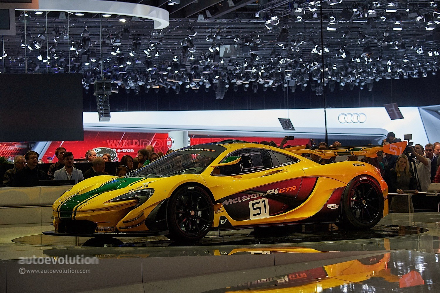 mclaren p1 gtr race car debuts at the geneva motor show. Black Bedroom Furniture Sets. Home Design Ideas