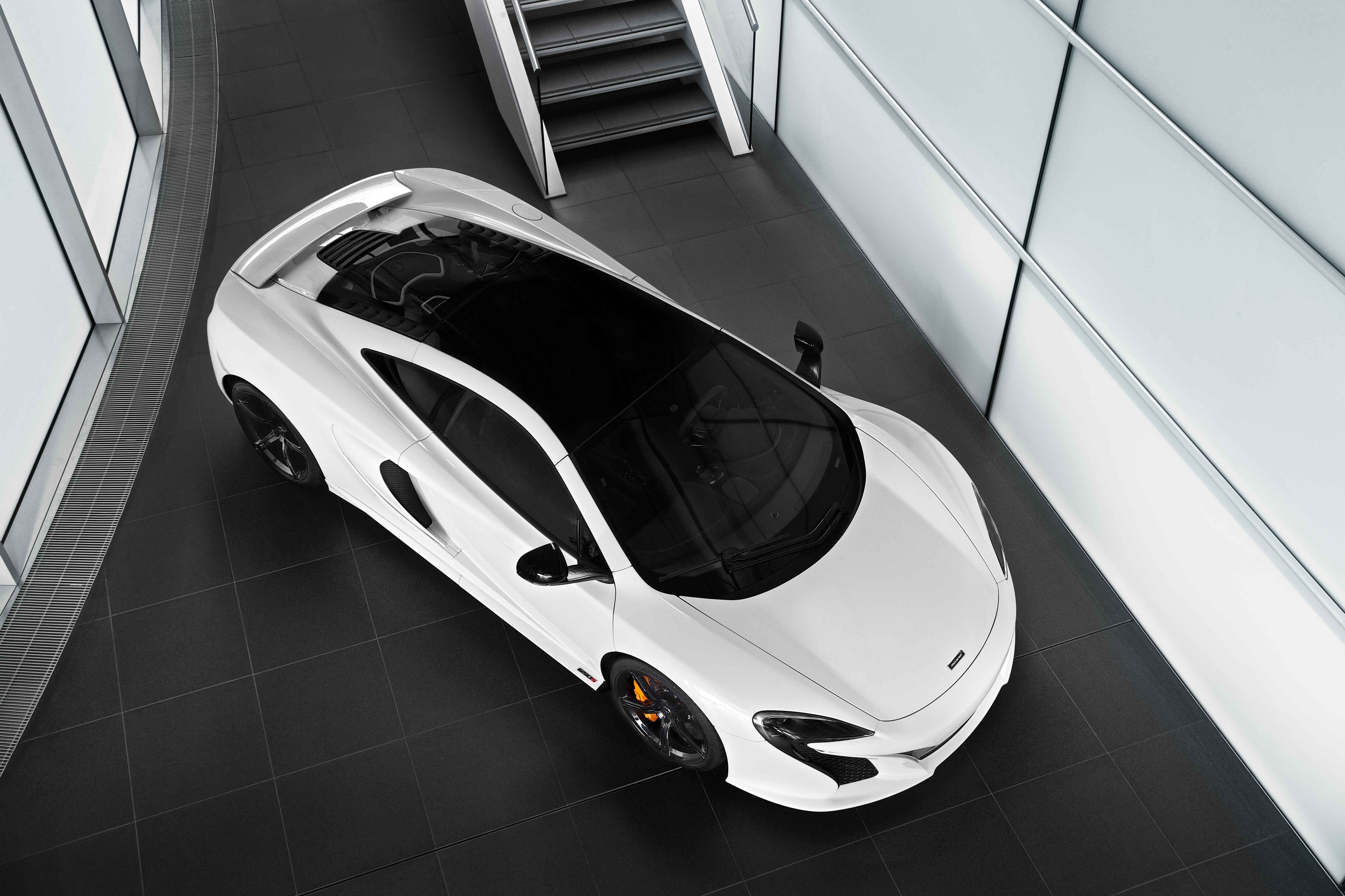 https://s1.cdn.autoevolution.com/images/news/gallery/mclaren-p1-gtr-racecar-is-one-step-closer-to-racing-photo-gallery_6.jpg