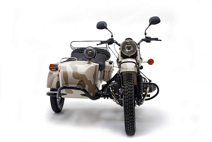 - 2012-ural-gear-up-2wd-bikes-are-still-standing-photo-gallery-medium_8