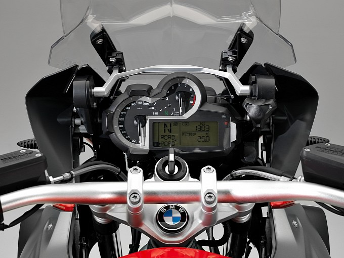 A new dashboard for BMW R 1200 GS in 2013