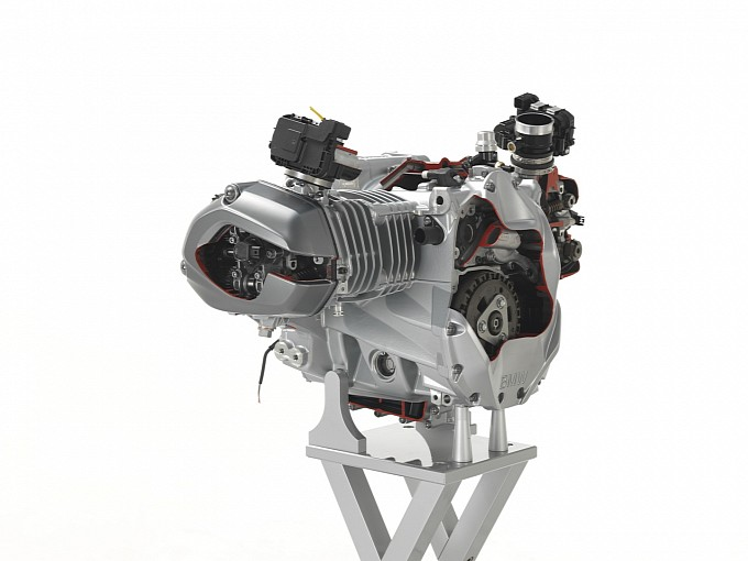 The new 2013 BMW R 1200 GS engine