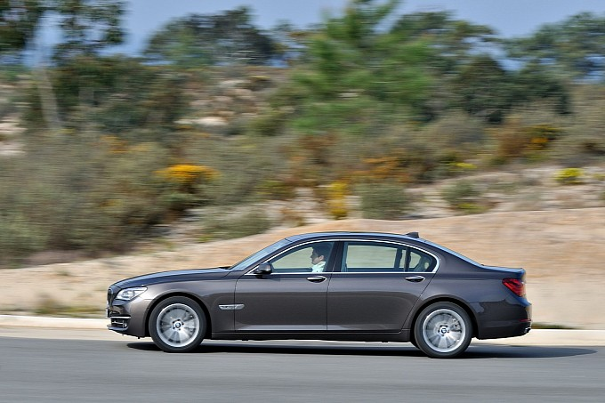 2013 BMW 7-Series Facelift Introduced [Photo Gallery]