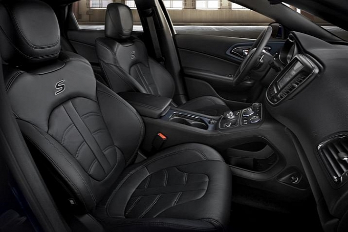... The Interior Of The 2015 Chrysler 200. These Spy Shots Show All Black,  But Iu0027m Sure There Will Be Some Brushed Metal Finishes To Choose From In  The End.
