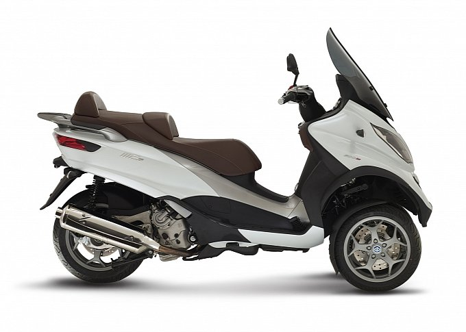 2015 piaggio mp3 500 3 wheeled scooter is here photo. Black Bedroom Furniture Sets. Home Design Ideas