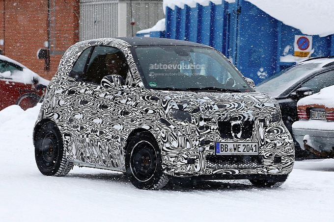 [Obrazek: 2015-smart-fortwo-with-lighter-camo-spot...1393435295]