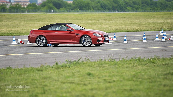 BMW M6 Convertible handling at BMW Driving Experience