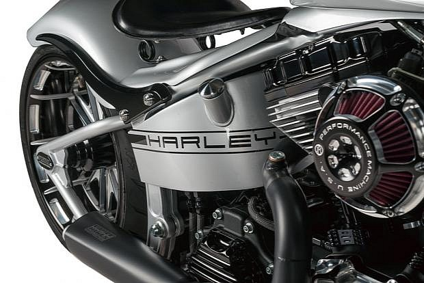Porsche Custom Motorcycle: Check Out This Porsche 918-inspired Custom Harley-Davidson