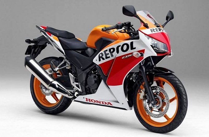 Repsol Version of the CBR250R for the Japanese Market - Honda CBR 300 Forum
