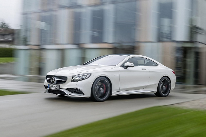 (C217): S63 AMG coupé revelada Mercedes-new-s-63-amg-coupe-revealed-is-a-sexy-brute-photo-gallery-medium_12