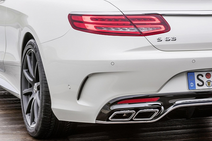 (C217): S63 AMG coupé revelada Mercedes-new-s-63-amg-coupe-revealed-is-a-sexy-brute-photo-gallery-medium_16