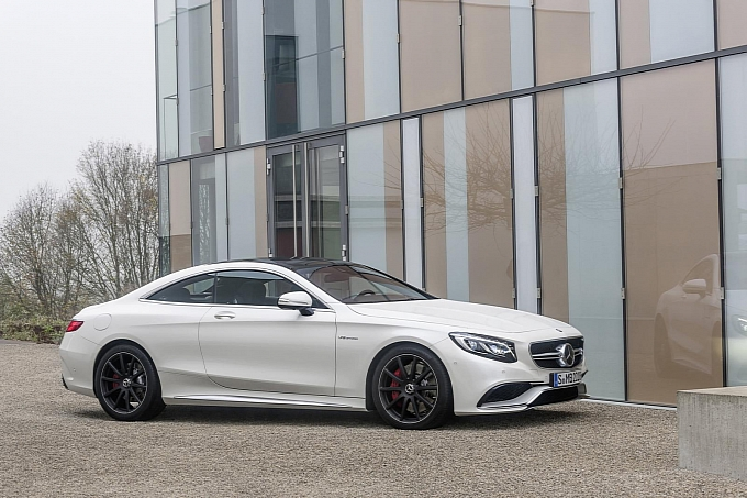 (C217): S63 AMG coupé revelada Mercedes-new-s-63-amg-coupe-revealed-is-a-sexy-brute-photo-gallery-medium_17