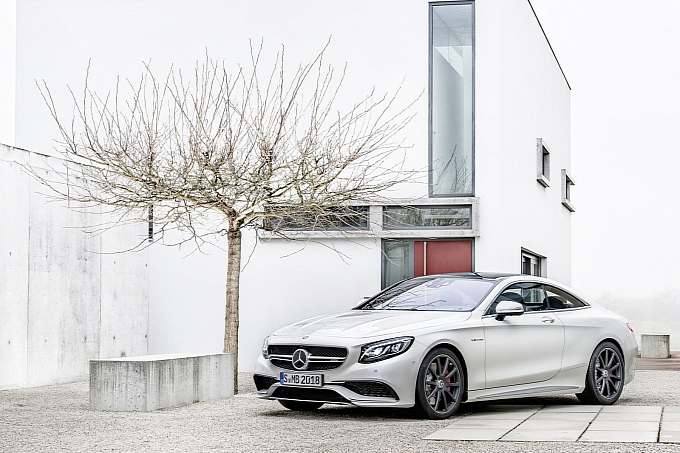 (C217): S63 AMG coupé revelada Mercedes-new-s-63-amg-coupe-revealed-is-a-sexy-brute-photo-gallery-medium_2