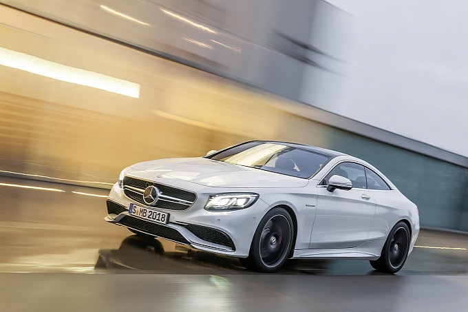 (C217): S63 AMG coupé revelada Mercedes-new-s-63-amg-coupe-revealed-is-a-sexy-brute-photo-gallery-medium_21