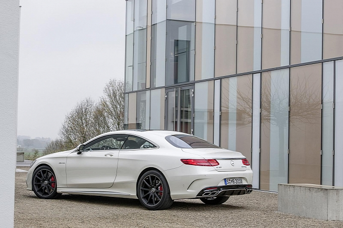(C217): S63 AMG coupé revelada Mercedes-new-s-63-amg-coupe-revealed-is-a-sexy-brute-photo-gallery-medium_3