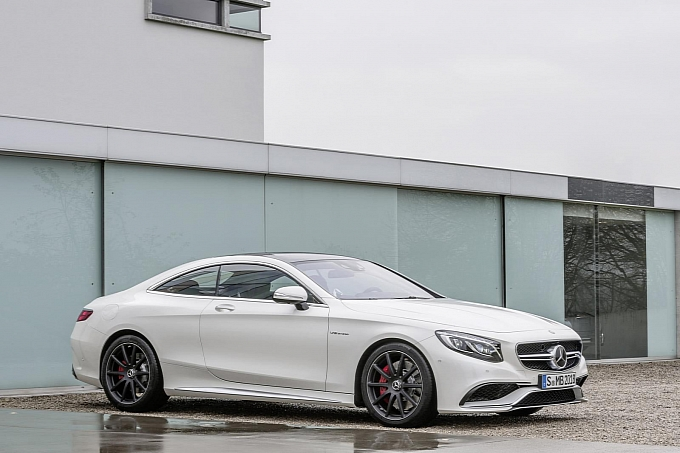 (C217): S63 AMG coupé revelada Mercedes-new-s-63-amg-coupe-revealed-is-a-sexy-brute-photo-gallery-medium_7