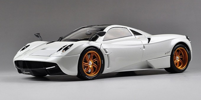 scale-model-of-pagani-huayra-a-piece-of-passion-photo-gallery-medium_4