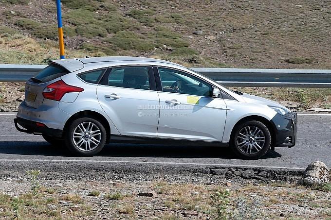 2014 Toyota Hilux Spy Shots Automotive Hot News And Informations 2015