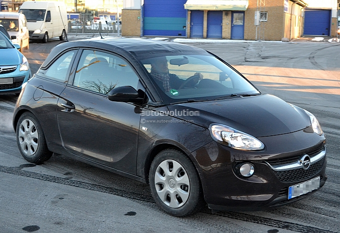 opel adam cabrio spy shots opel adam forums adam owners. Black Bedroom Furniture Sets. Home Design Ideas