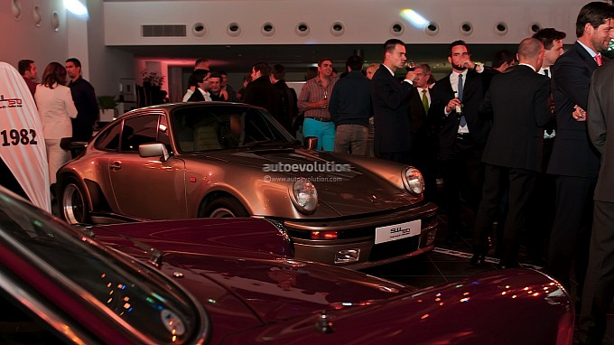 Porsche 911 Turbo S at Romanian Launch Event - gia xe corolla