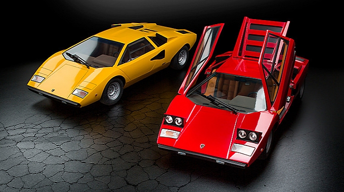 http://s1.cdn.autoevolution.com/images/news/gallery/medium/this-1200-countach-lp400-is-scale-perfection-photo-gallery-medium_7.jpg?1387201733