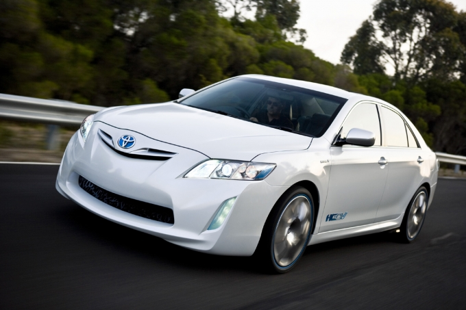 Toyota Displays Three Hybrid Vehicles in Melbourne - gia xe vios