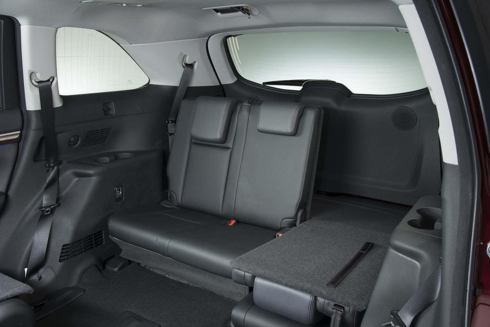 Maxresdefault also Toyota Yaris Hybrid together with Toyota Avensis Interior besides Meet The Toyota Highlander Photo Gallery likewise Prius Plug In Hybrid. on toyota prius inside