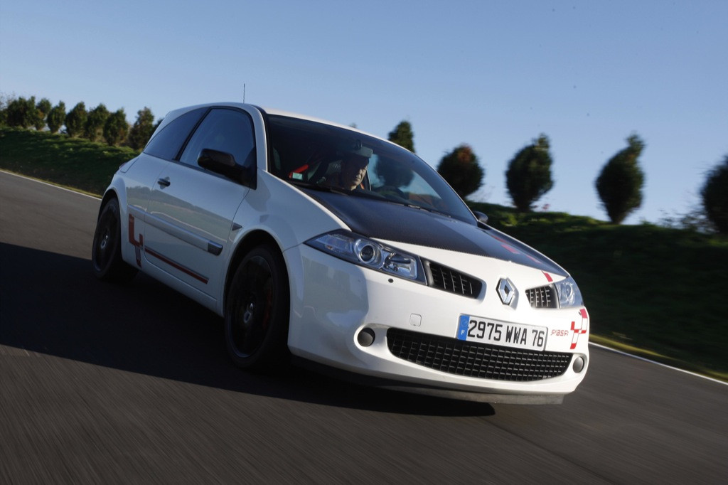 Megane R26.R Voted Sports Model of the Year 2008 - autoevolution