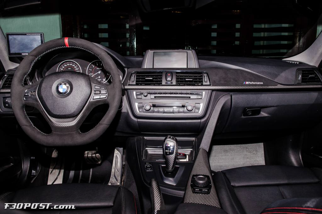 melbourne red bmw 328i from vietnam is a thing of passion autoevolution. Black Bedroom Furniture Sets. Home Design Ideas