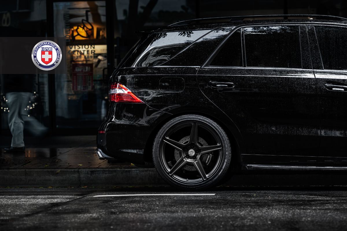Menacing Ml 63 Amg On Hre Tr45 Wheels Autoevolution