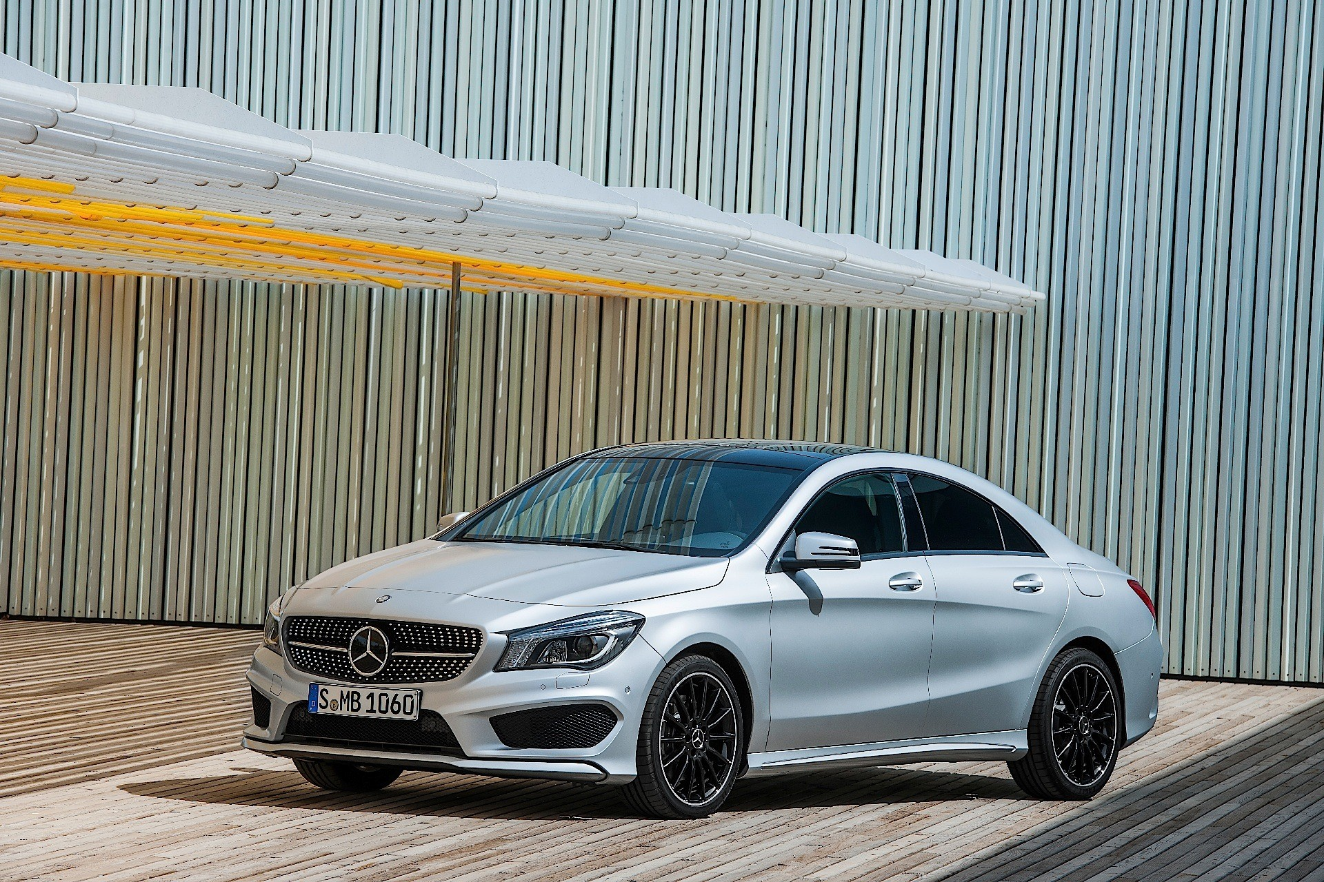 mercedes a class sedan reportedly coming in 2018 to fight chinese bmw 1 series autoevolution. Black Bedroom Furniture Sets. Home Design Ideas