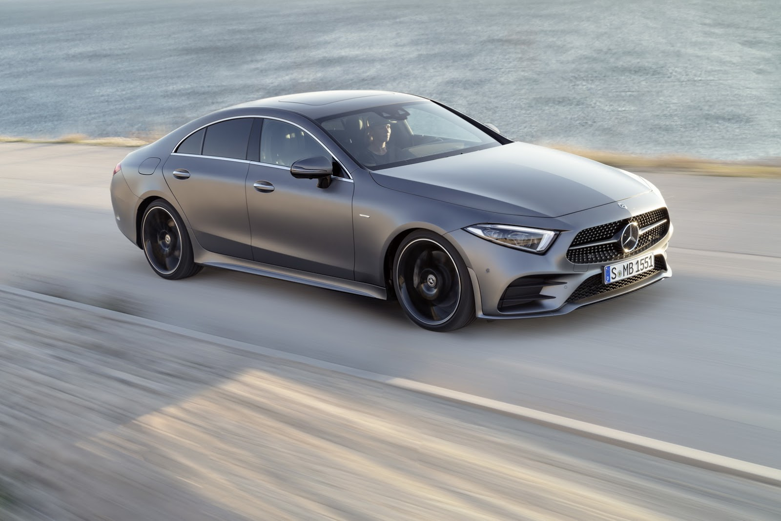 mercedes amg cls 50 with 435 hp inline 6 to debut in early 2018 autoevolution. Black Bedroom Furniture Sets. Home Design Ideas