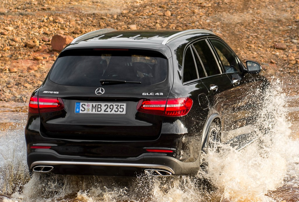 2017 Mercedes-AMG GLC 43 4Matic Is a 367 HP Audi Killer with a Twin
