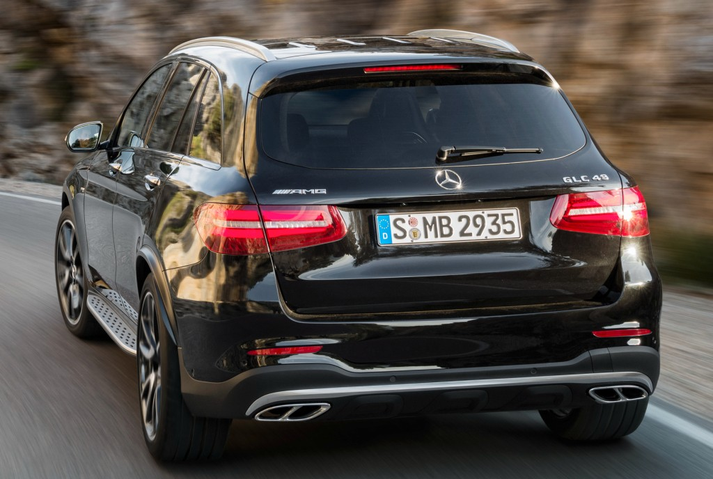 2017 mercedes amg glc 43 4matic is a 367 hp audi killer with a twin turbo v6 autoevolution. Black Bedroom Furniture Sets. Home Design Ideas