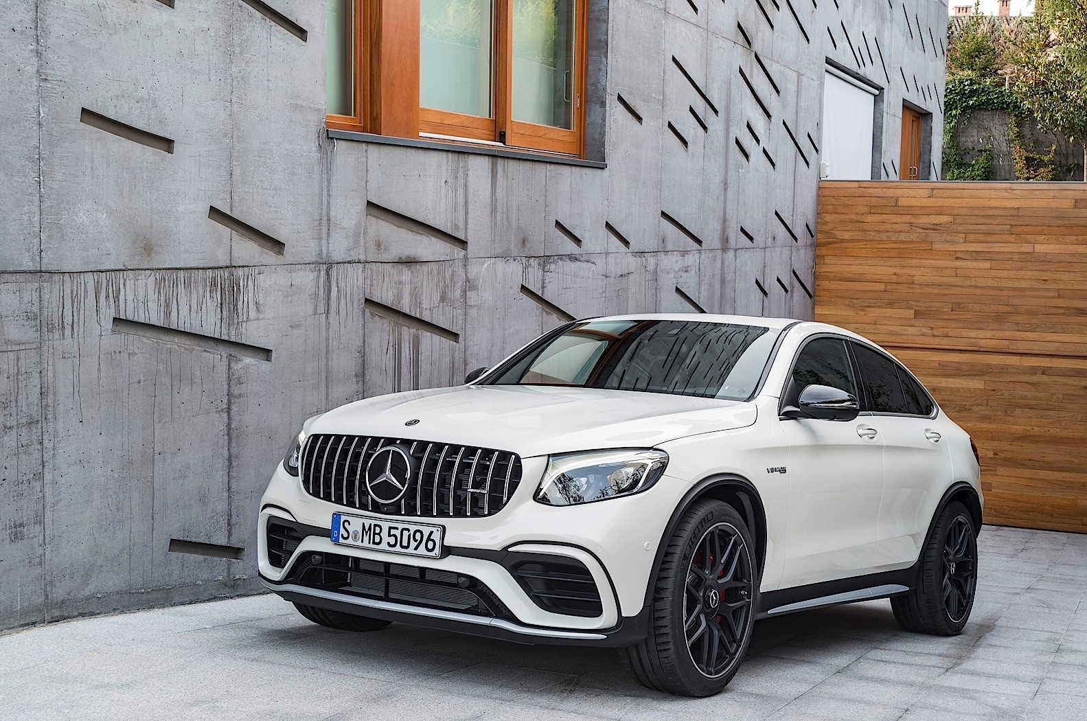 mercedes amg glc 63 and glc 63 coupe are the most brutal. Black Bedroom Furniture Sets. Home Design Ideas
