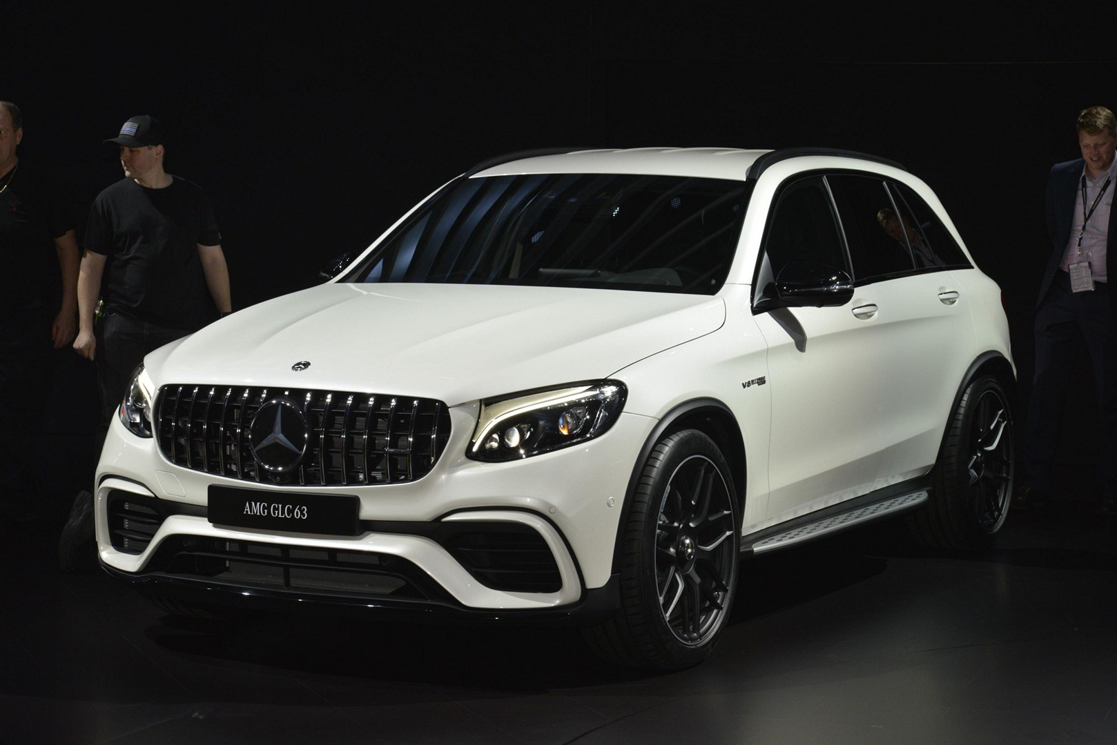 Mercedes amg glc 63 s has two bodies and panamericana for Mercedes benz nyc