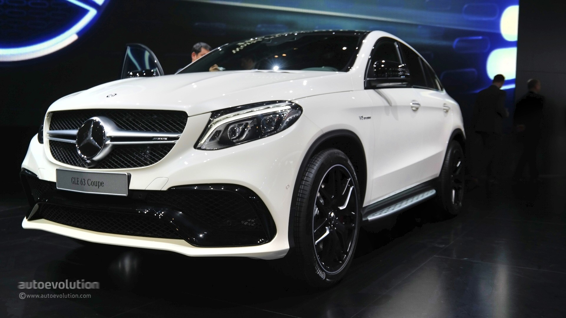 mercedes amg gle63 s coupe is too much in the flesh at the 2015 detroit auto show live photos. Black Bedroom Furniture Sets. Home Design Ideas