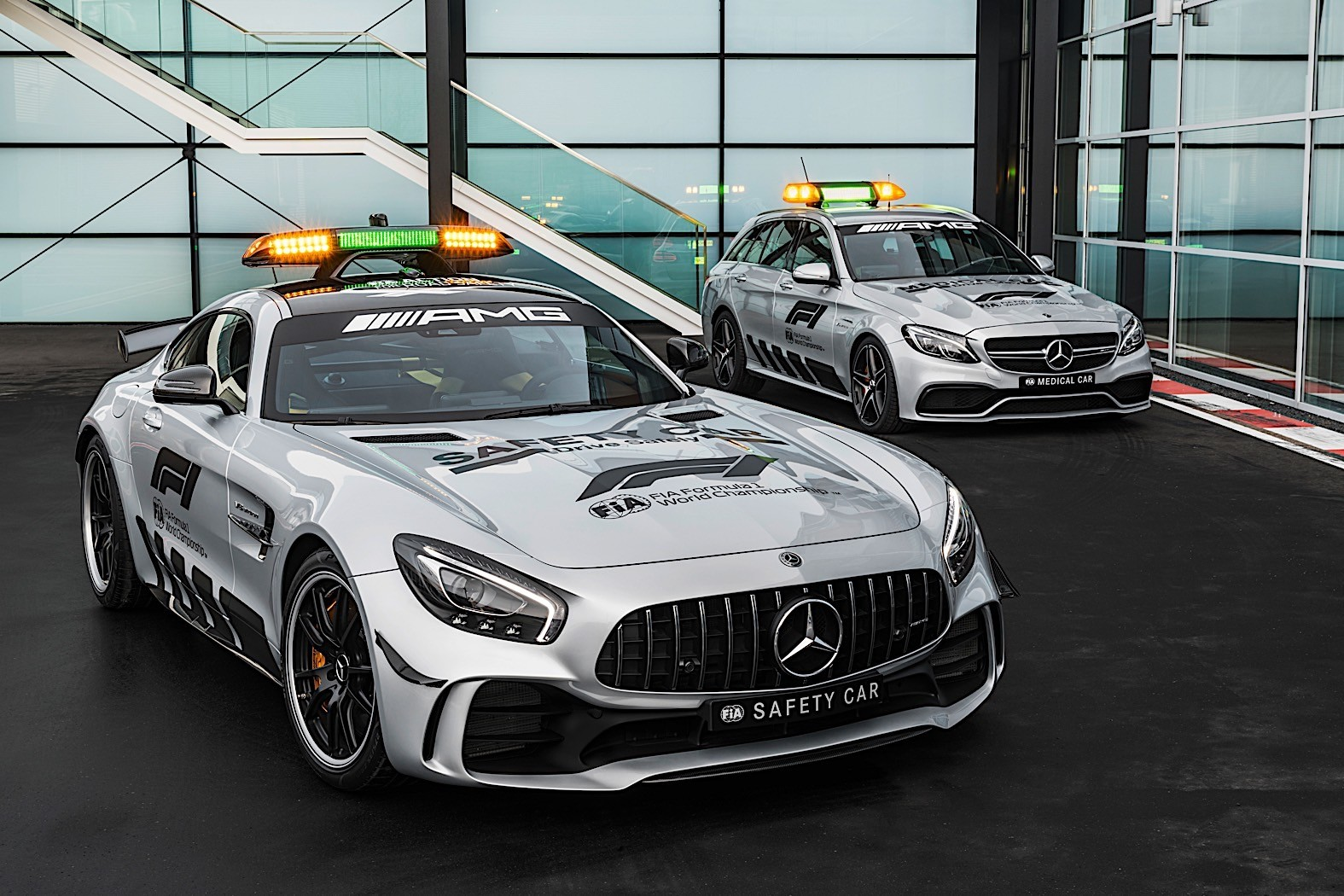 Mercedes amg gt r becomes formula 1 s most powerful safety for Mercedes benz f1