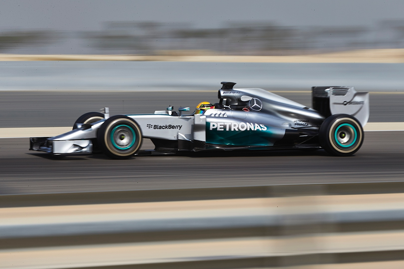 mercedes amg petronas completes highest mileage during pre season testing autoevolution. Black Bedroom Furniture Sets. Home Design Ideas