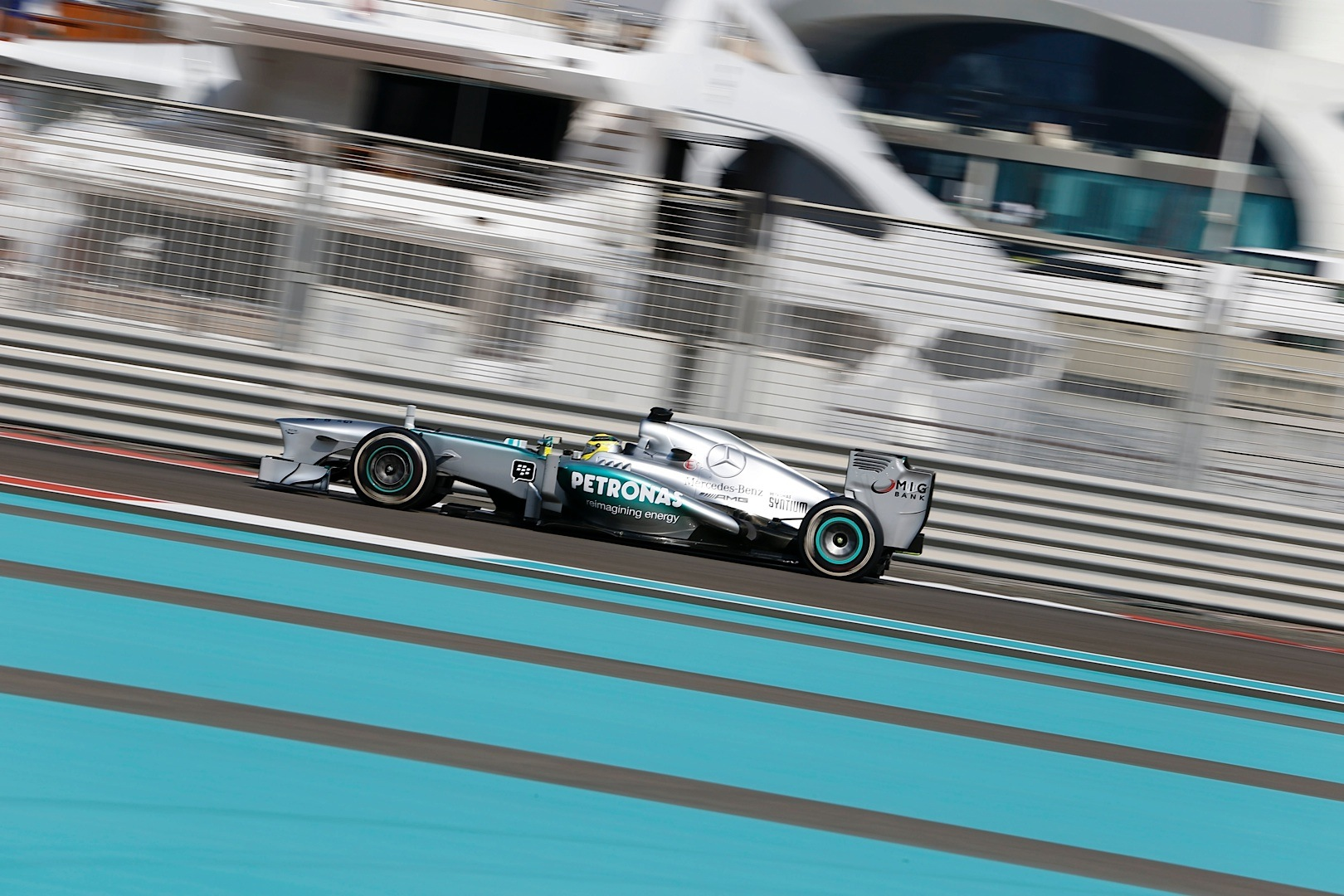mercedes amg petronas drivers complete yas marina gp practice autoevolution. Black Bedroom Furniture Sets. Home Design Ideas