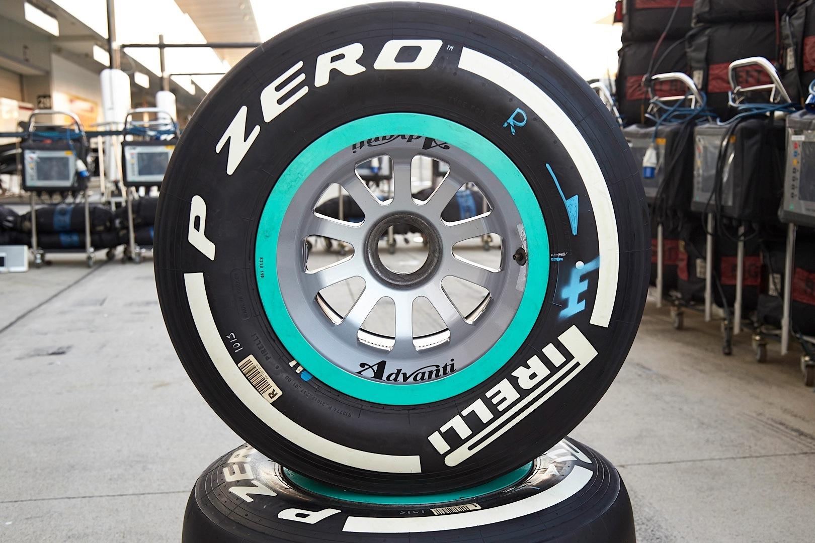 Mercedes-AMG Petronas Drivers Have Mixed Suzuka Practice - autoevolution
